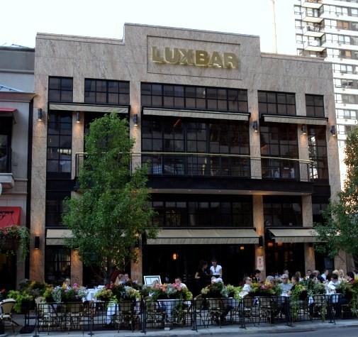 Apartments For Rent In Greektown Chicago: Easter Brunch Buffet At LUXBAR (2.5/5 Stars